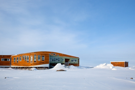 Piqqusiliriivvik Inuit Cultural Learning Facility, Clyde River, Nunavut. (Photo courtesy of H. Burdett-Moulton).
