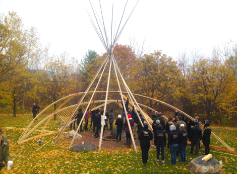 McEwen School of Architecture students explore an intuitive design-build process with instructor Jake Chakasim as part of a course on Indigenous Precedents.